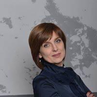 Elena Pikshrene's avatar'