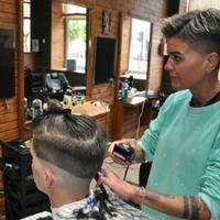 Джентельмени Удачі — Перукарні та парикхмахери