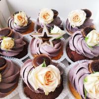 Капкейки, торти на свято — Для жінок