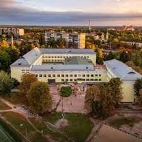 Броварська спеціалізована школа №7 — Школи і садочки