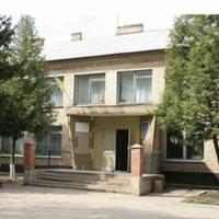 Вишнівська загальноосвітня школа І-ІІІ ступенів №2 — Школи і садочки