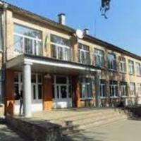 Школа 3 у Сквирі — Школи і садочки